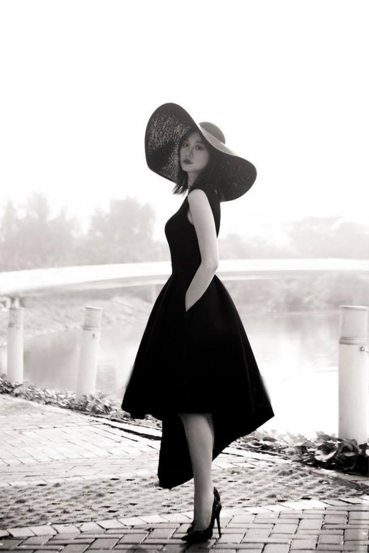 Cá tính mạnh mẽ trong từng bộ ảnh thời trang.