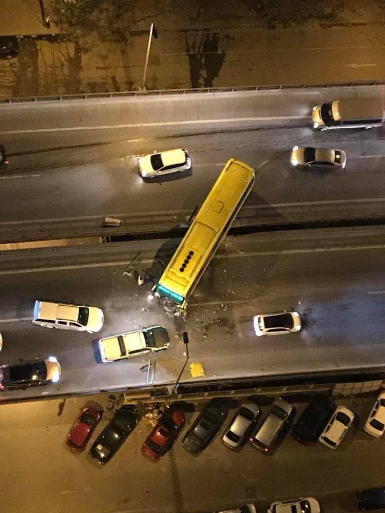 Hiện trường vụ tai nạn nhìn từ trên cao.