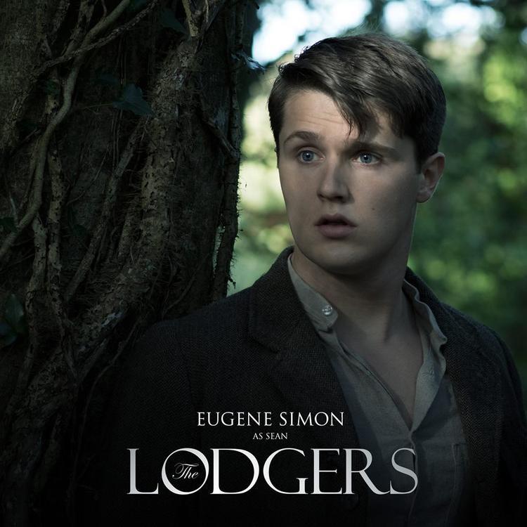Eugene Simon (vai Sean).