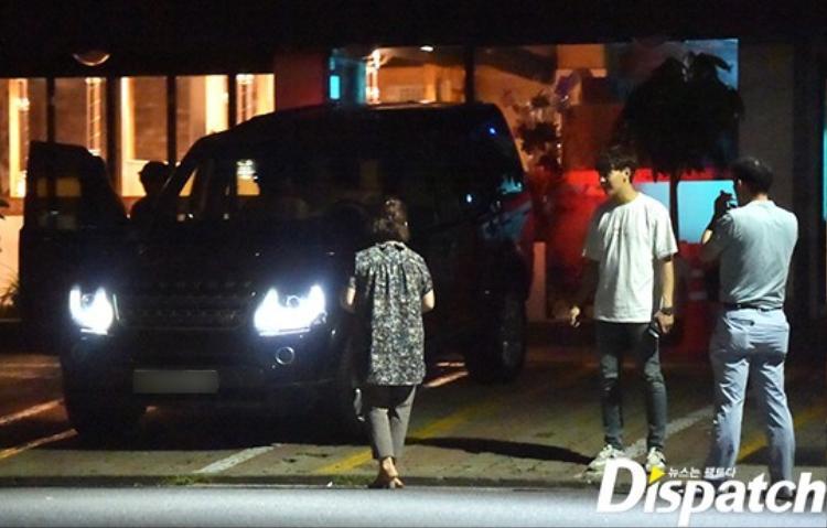 Dispatch tung bằng chứng hẹn hò của Park Shin Hye và Choi Tae Joon