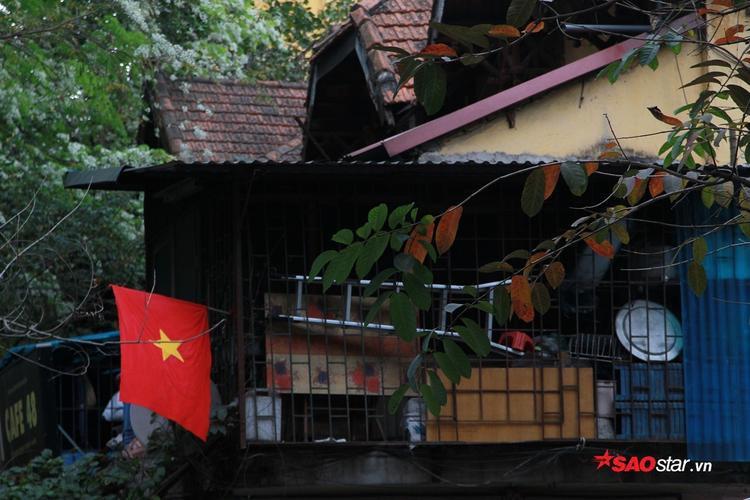 Một góc cảnh ở gần ga Long Biên.