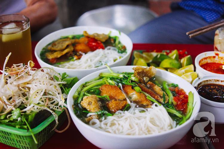 Hà Nội - thiên đường ẩm thực của các món ăn. Bún - tình đầu của thiên đường ẩm thực này, chính vì thế, chỉ cần nhắc đến bún, người ta nghĩ ngay tới Hà Nội.