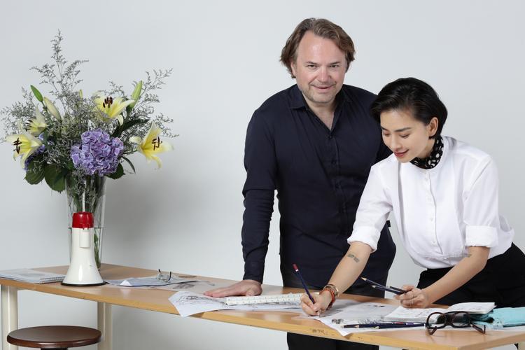 Ngô Thanh Vân và ôngJean-Paul Cassia cùngbắt tay nhằm khơi màu cho những dự án bất động sản.