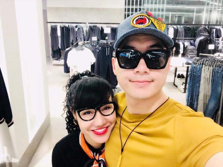 Trương Nam Thành và bạn gái.