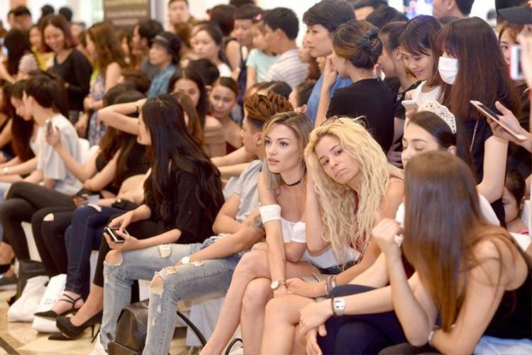 Những buổi sơ tuyển của các Tuần lễ Thời trang trước đây đã thu hút hàng ngàn thí sinh tham dự.