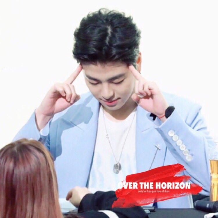 Ở buổi fansign sau đó, Junhoe chia sẻ với các fan rằng anh không thể hát nhiều vì cổ họng vẫn còn đau.