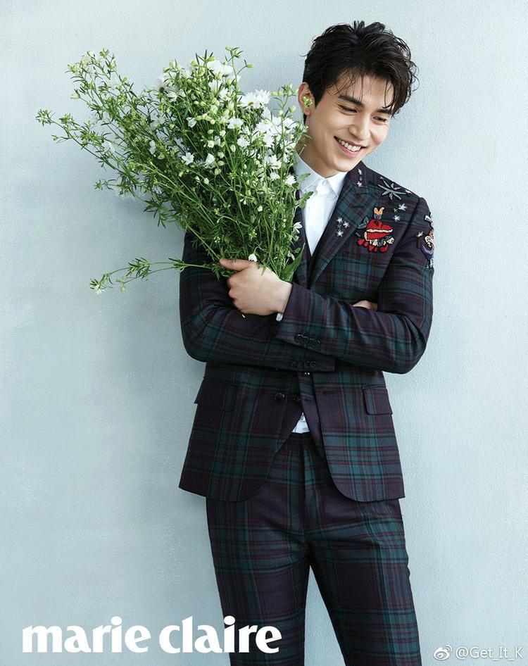 Lee Dong Wook được nhận xét là có vẻ đẹp chững chạc pha chút lai tây, kiểu đàn ông rất thú hút phụ nữ.