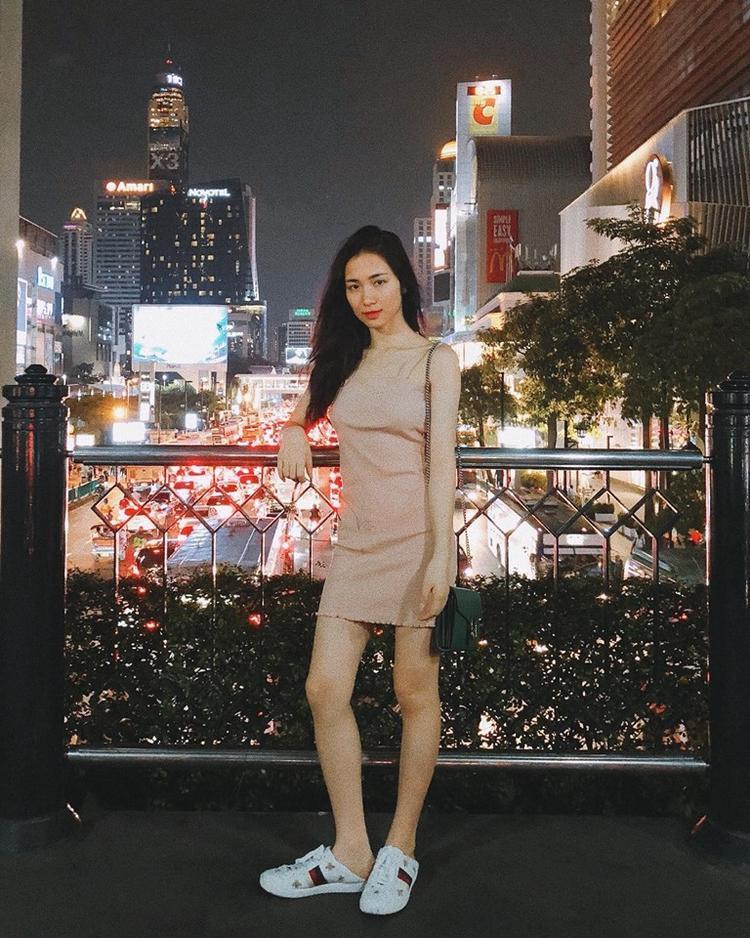 """Trước đó, Hoà Minzy cũng khoe ảnh đang du lịch tại Thái Lan nhưng hoàn toàn """"giấu nhẹm"""" chuyện xuất hiện tại đêm chung kết để ủng hộ Hương Giang."""