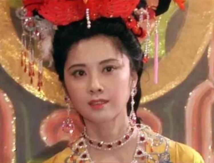 """Nữ vương Nữ Nhi Quốc trong phiên bản kinh điển """"Tây Du Kí 1986."""""""
