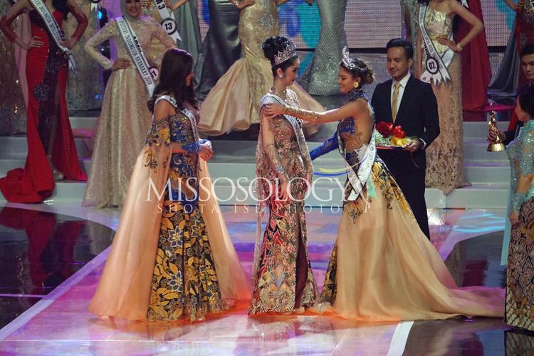 Đích thân đương kim Miss Universe 2017Demi Leigh Nel-Peters trao Sash cho tân hoa hậu. Ngoài ra thành phần ban giám khảo còn có sự hiện diện của cựu Miss Universe 2007 người Nhật Bản -Riyo Mori.