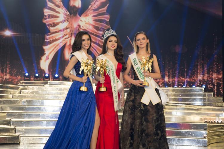 Hương Giang Idol xuất sắc đăng quang Hoa hậu chuyển giới quốc tế 2018 vào tối 9/3.
