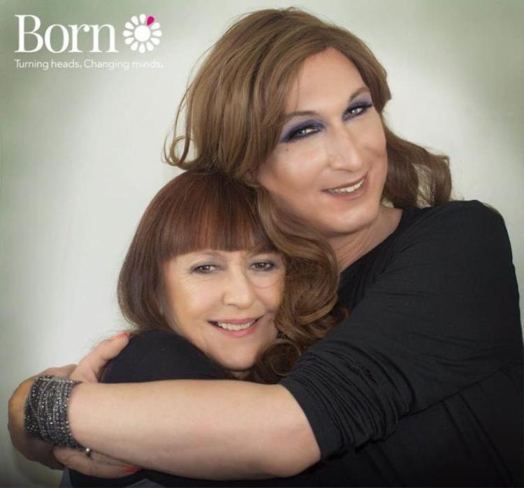 Jaimie và mẹ.