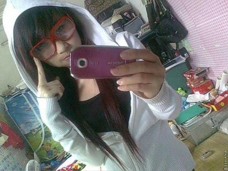 Ngày xưa cứ diện kiểu tóc này là hot girl rồi!