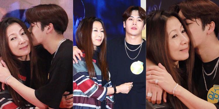 """Không chỉ Jackson (GOT7) có lượng theo dõi """"khủng"""" trên Instagram, mẹ chàng trai này cũng thu hút rất nhiều sự chú ý từ người hâm mộ của con trai."""
