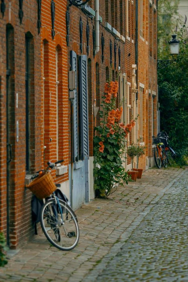 Có một châu Âu đẹp như tranh qua ống kính của nhiếp ảnh gia 9X, khiến ai cũng ao ước, tuổi trẻ này được đến châu Âu một lần