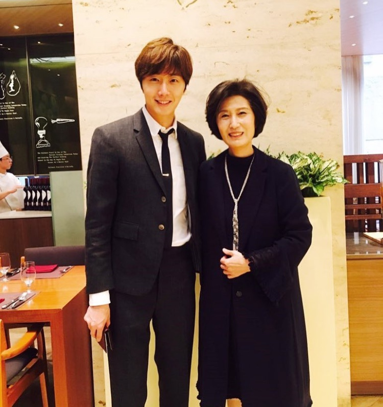 """""""Tài tử"""" điển trai Jung Il Woo là một minh chứng cho việc thừa hưởng gen trội từ mẹ."""