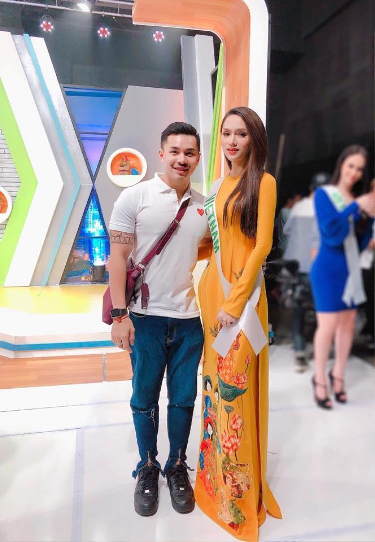 Thông dịch viên của Hương Giang: Nếu cô ấy không trở thành hoa hậu, có thể tôi là người bị ném đá nhiều nhất