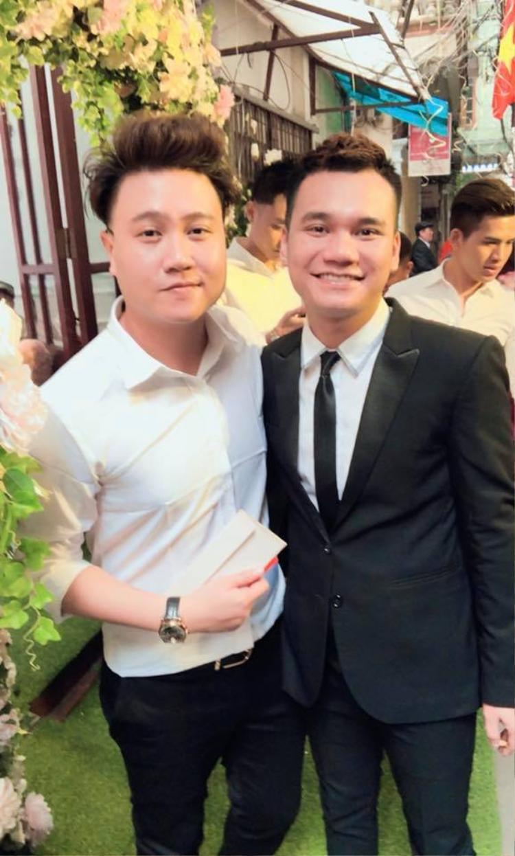 Khắc Việt và Vương Anh Tú.