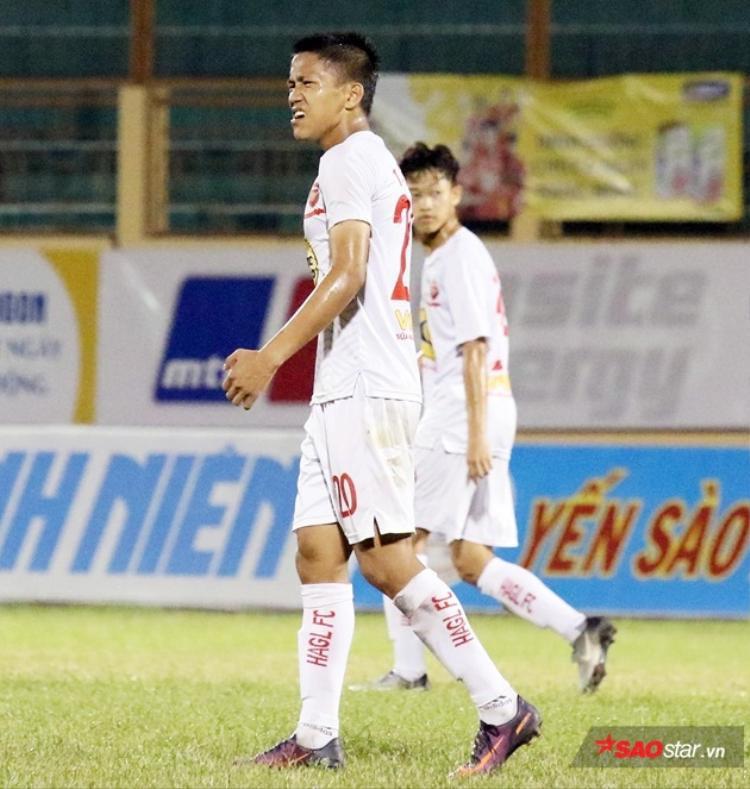 Trần Bảo Toàn là cầu thủ hay nhất của U19 HAGL nhưng trước kia thuộc quân năng khiếu.