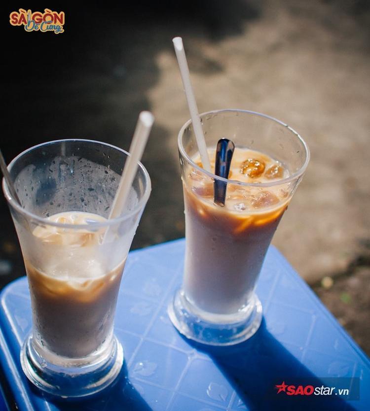 Những ly sữa bò sớm tinh mơ đã trở thành một phần kỷ niệm 20 năm của người Sài Gòn.