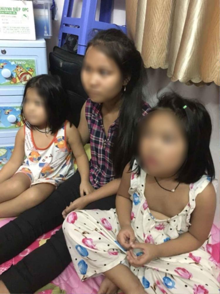 Hai bé gái được lực lượng Công an giải cứu.