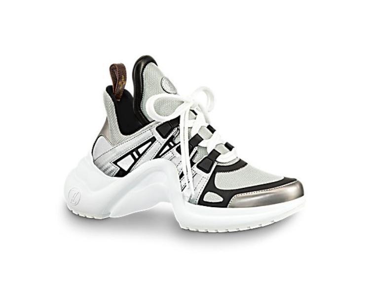 Hiện tại đôi giày được bán với giá 790 euro, tương đương hơn 22 triệu đồng.