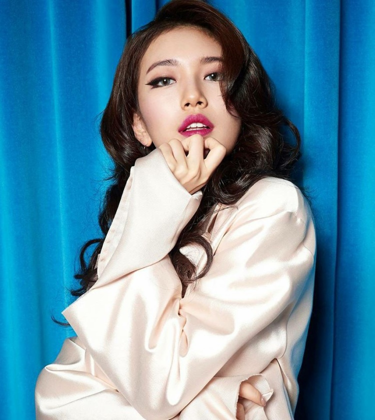 Hiếm khi thấy cô nàng trang điểm đậm, trừ khi là chụp hình cho tạp chí hay album thế này.