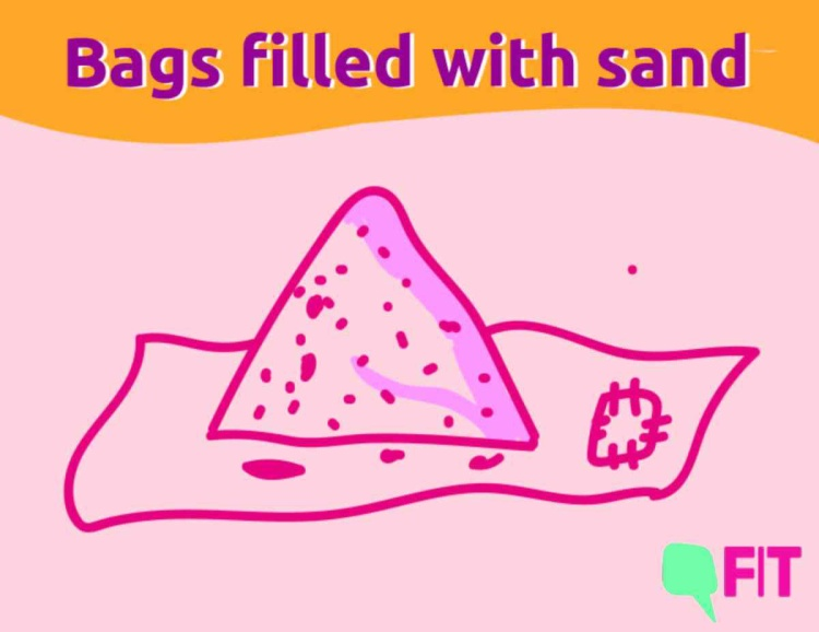 Một trong những loại băng vệ sinh có thể tái sử dụng đã được chị em phụ nữ sáng tạo ra. Với bề mặt là cát, sau khi sử dụng, chị em có thể giặt sạch và dùng vào lần tiếp theo.
