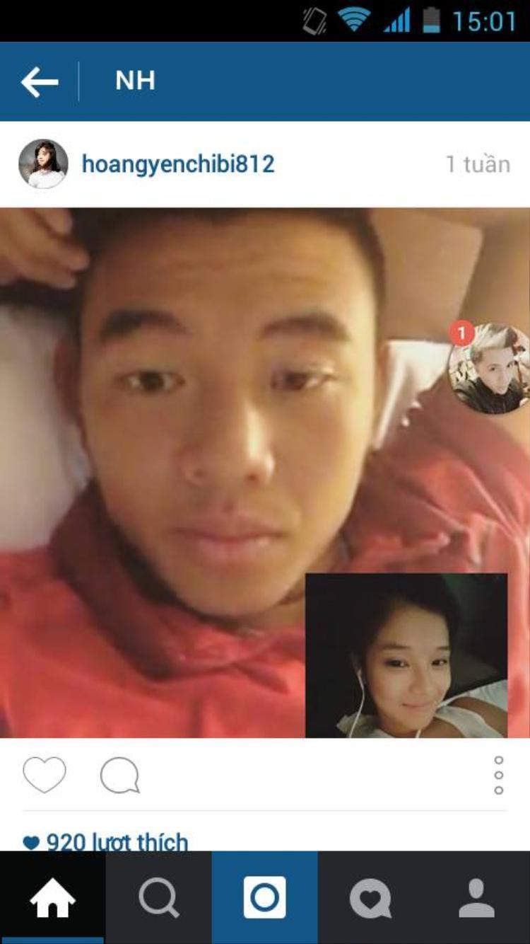 Đặc biệt, có lần fan của cô đã kịp thời chụp lại bức ảnh Hoàng Yến đang video chat cùng Hoàng Nam được đăng tải lên trang cá nhân của cô, trước khi hình ảnh này bị xóa đi nhanh chóng.