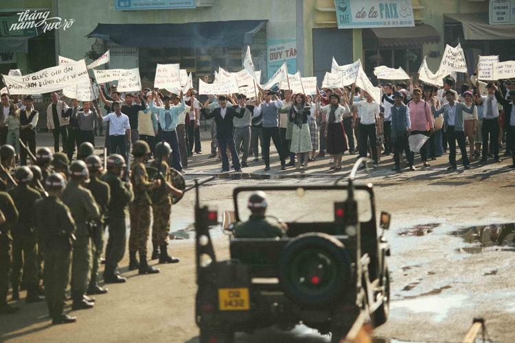 Cuộc biểu tình trong phim được thể hiện rất chân thật…