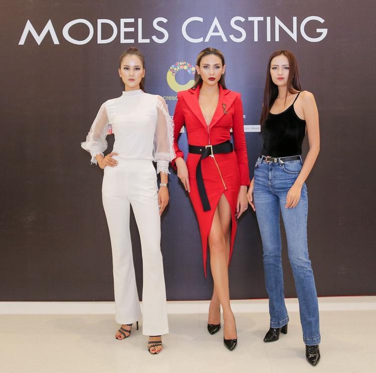Tại buổi casting VIFW năm nay, quán quân VNTM Ngọc Châu và Hương Ly sánh vai cùng siêu mẫu Võ Hoàng Yến trong vai trò ban giám khảo.