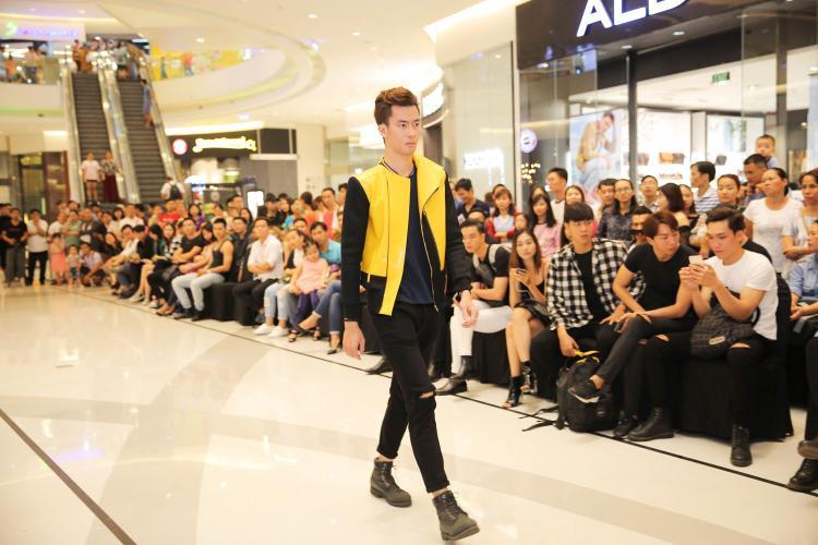 Nhiều thí sinh đã thể hiện được kỹ năng catwalk và thần thái qua trang phục của nhà thiết kế, gây ấn tượng cho BGK.