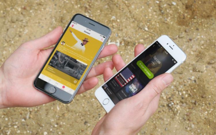 Về mặt giao diện người dùng, Apple Music và Spotify có vẻ người tám lạng, kẻ nửa cân. Cả hai đều thân thiện và dễ sử dụng. Ngay cả người dùng mới cũng sẽ không mất nhiều thời gian để làm quen.