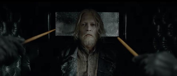 Grindelwald (do Johnny Depp đóng)