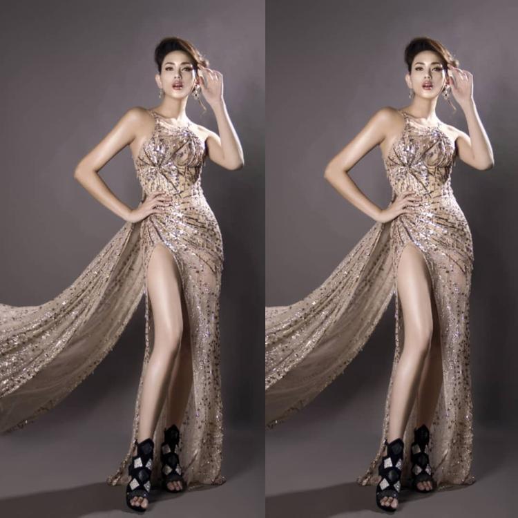 Có lẽ vì rút được kinh nghiệm của Jolie Nguyễn trong lần mặc trước nên Võ Hoàng Yến đã khéo léo cho một lớp vải lót bên trong để tránh lộ nội y.