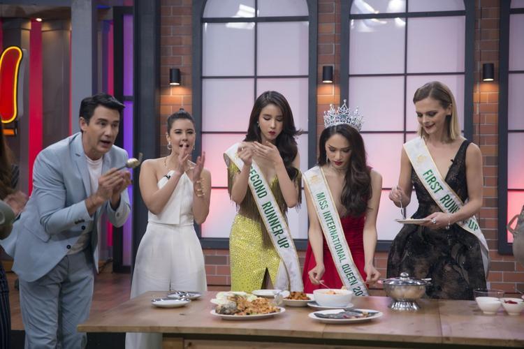 Các fan yên tâm nhé, hoa hậu Hương Giang còn được mời đến đài One31 chỉ để ăn uống nữa này!