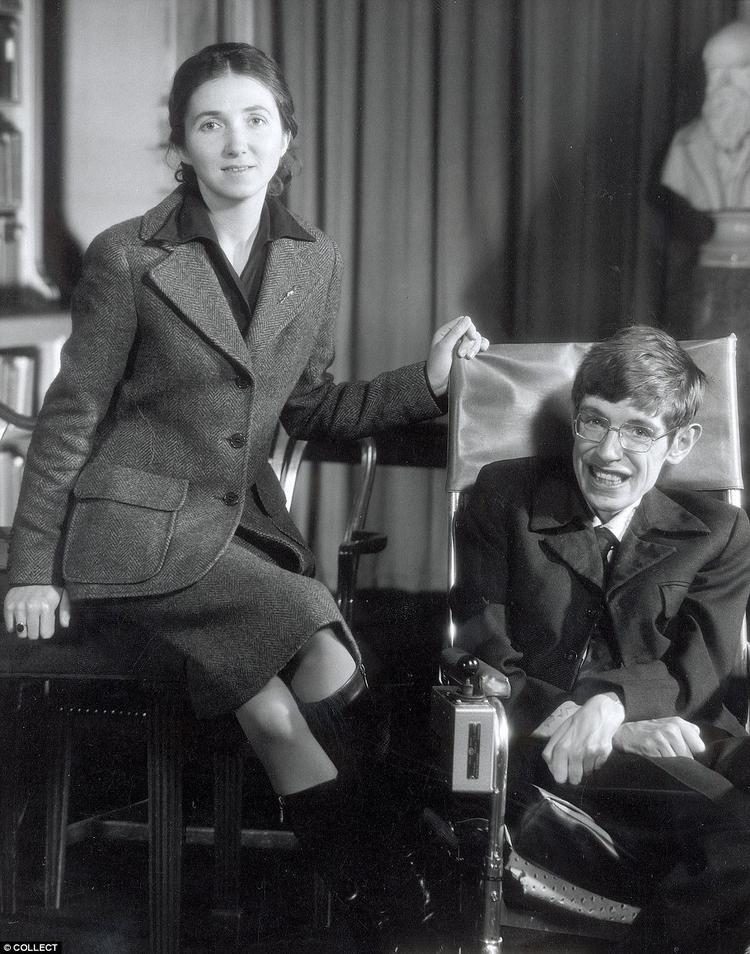 Chính tình yêu thương của Jane Wildeđã giúp Stephen Hawking vượt qua tất cả và đạt được thành tựu như ngày nay. Ảnh internet