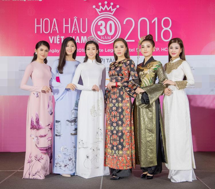 Top 3 Hoa hậu Việt Nam 2014 và 2016 hội tụ tại buổi họp báo.