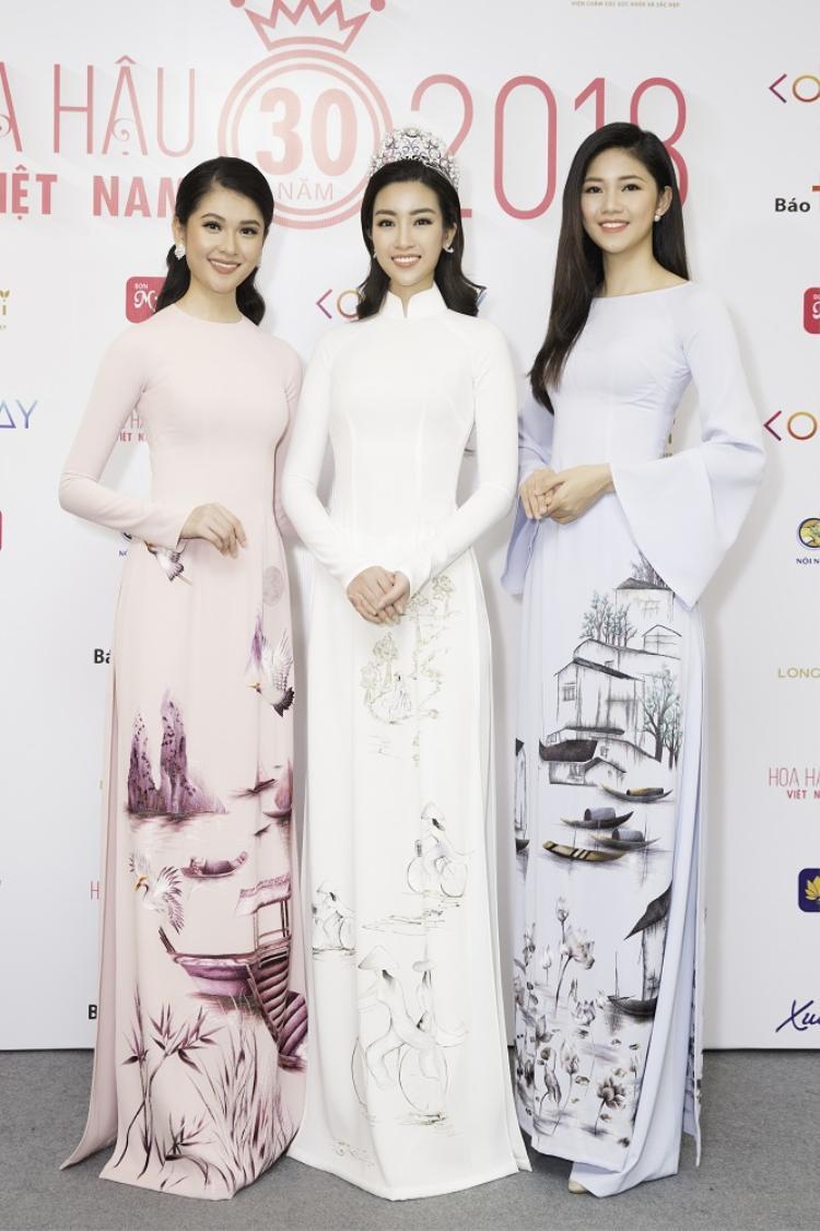 Á hậu Thuỳ Dung - Hoa hậu Mỹ Linh - Á hậu Thanh Tú duyên dáng trong trang phục áo dài.