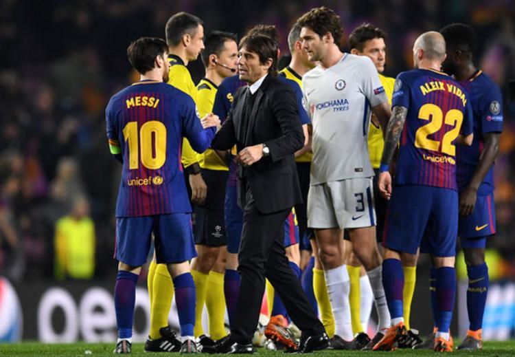 Conte và các học trò thảm bại trước Barca.