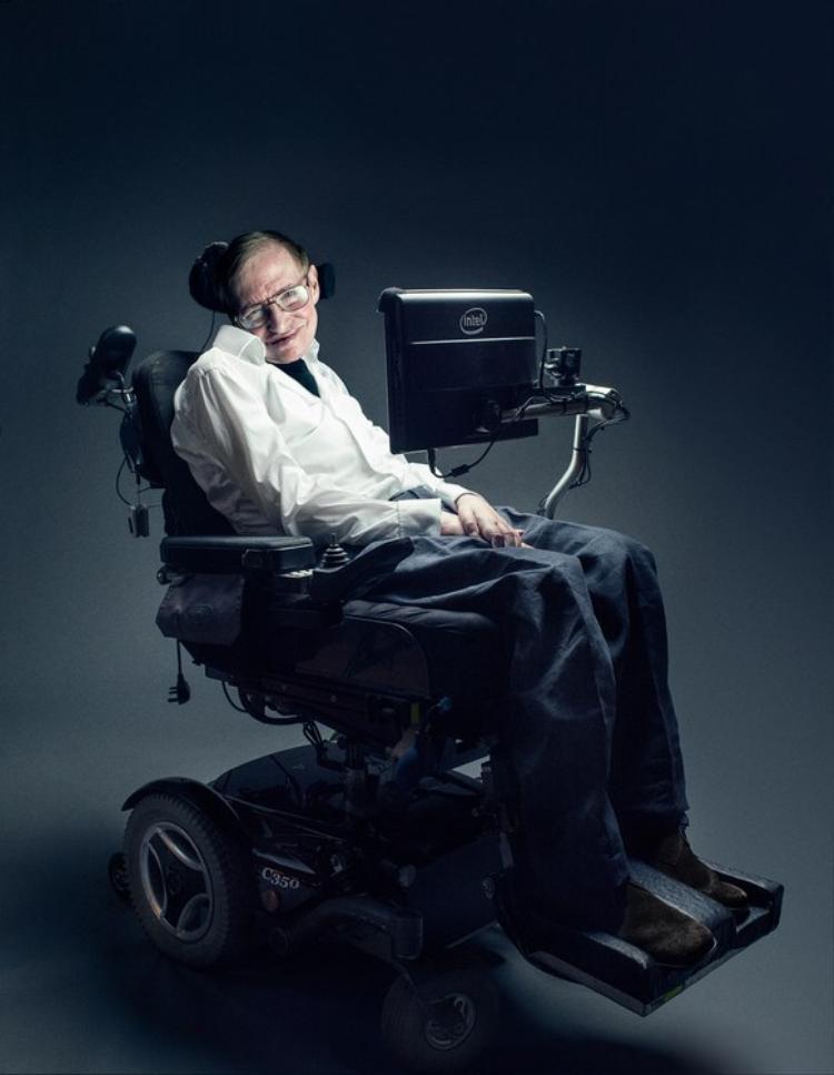 Mất khả năng nói từ năm 1985, đây là cách Stephen Hawking vẫn có thể trò chuyện với thế giới