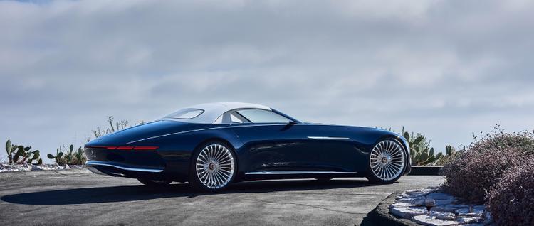 Mãn nhãn với Mercedes Maybach 6 Cabriolet, siêu xe mui trần nhìn như du thuyền
