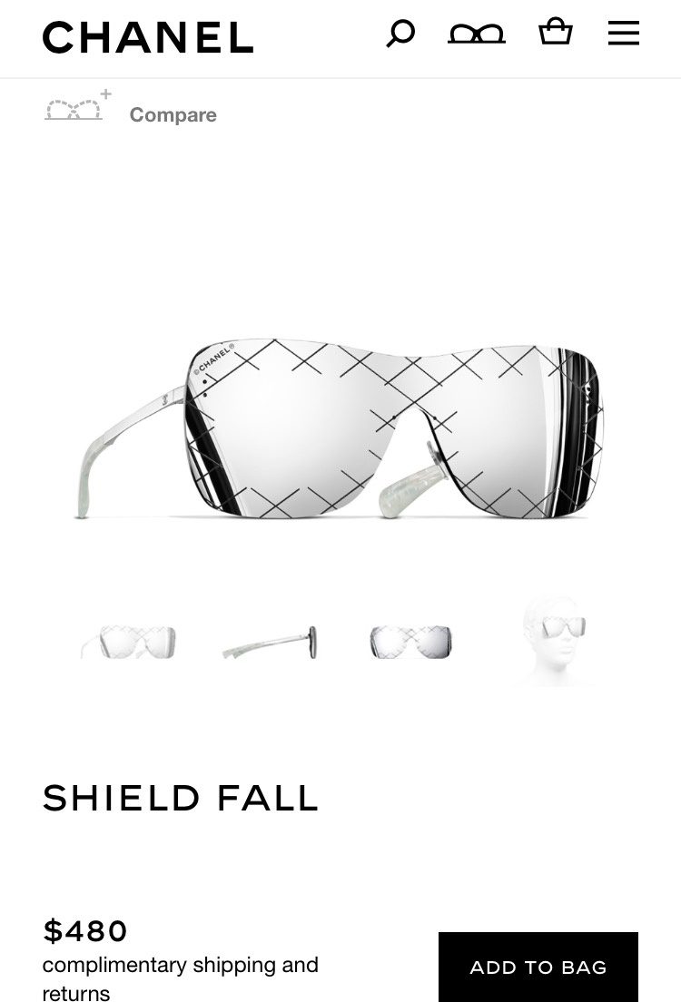Chiếc kính Chanel này có giá khoảng 11 triệu đồng.