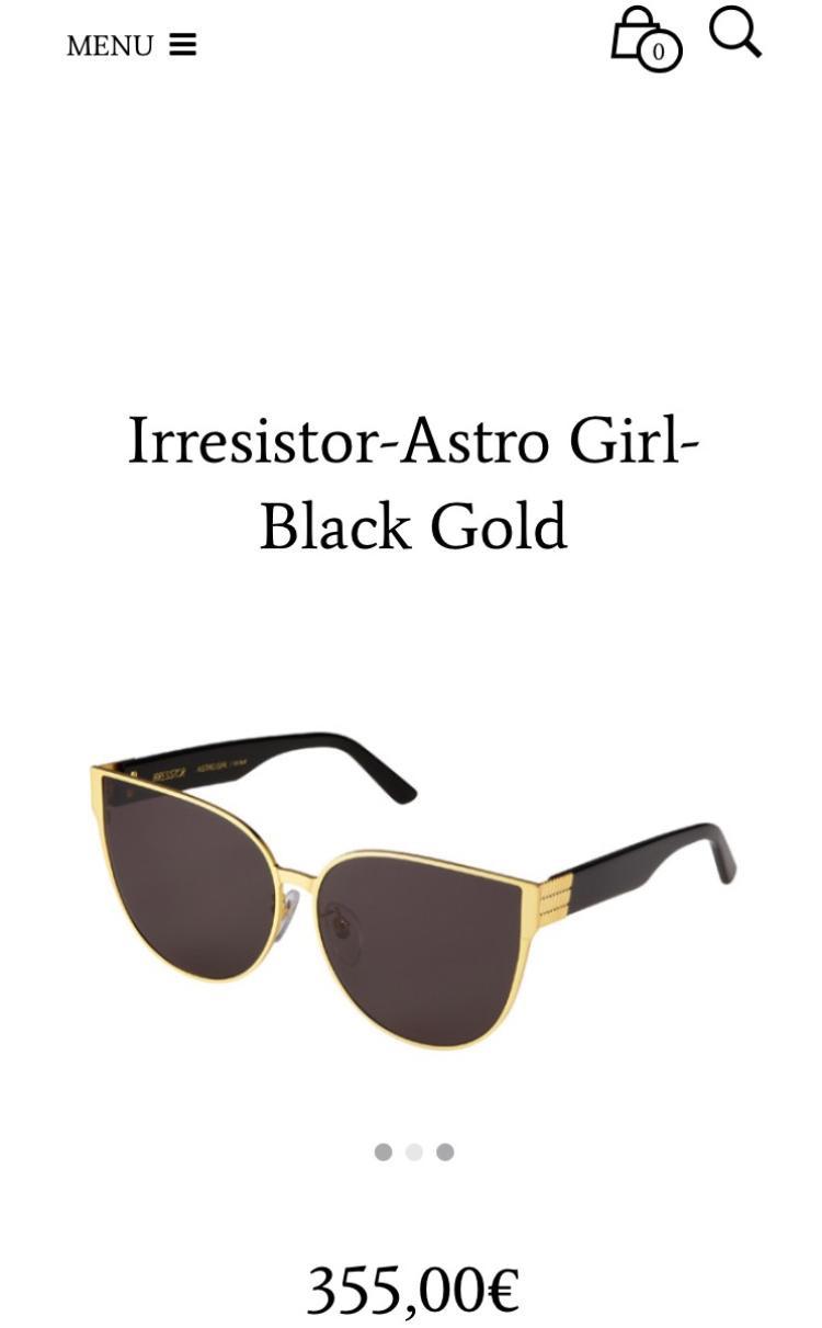 Đây là cặp mắt đến từ thương hiệu Irresistor đang nổi như cồn và có giá gần 10 triệu đồng.