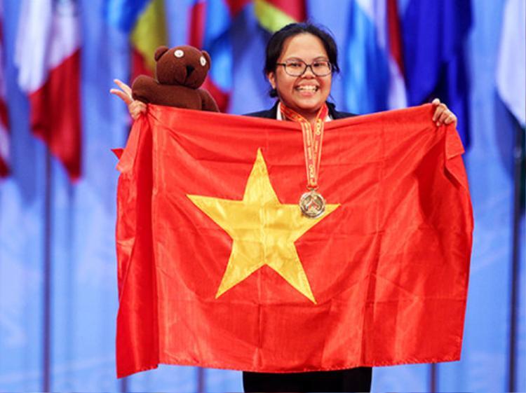 Phạm Mai Phương - Huy chương vàng Olympic Hoá học quốc tế năm 2014 hiện là tân sinh viên của Học viện Công nghệ Massachusetts Institute of Technology University (Mỹ)