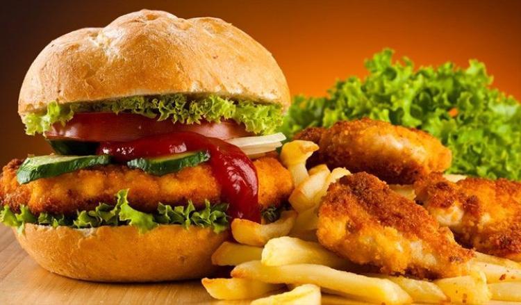 Các suất ăn ở Mỹ thường lớn hơn bình thường. Ảnh Bulkpowders