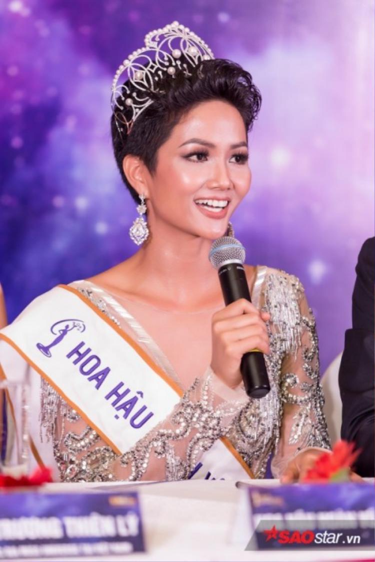 Hoa hậu Hoàn vũ H'hen Niê là nguồn cảm hứng để nữ nhạc sĩ sáng tác ca khúc này.