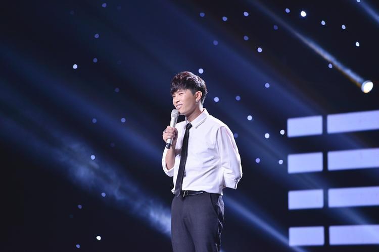 Không chỉ chinh phục khán giả bởi vẻ ngoài thư sinh, Gin Tuấn Kiệt còn sở hữu khả năng diễn xuất cùng giọng hát ấm áp.