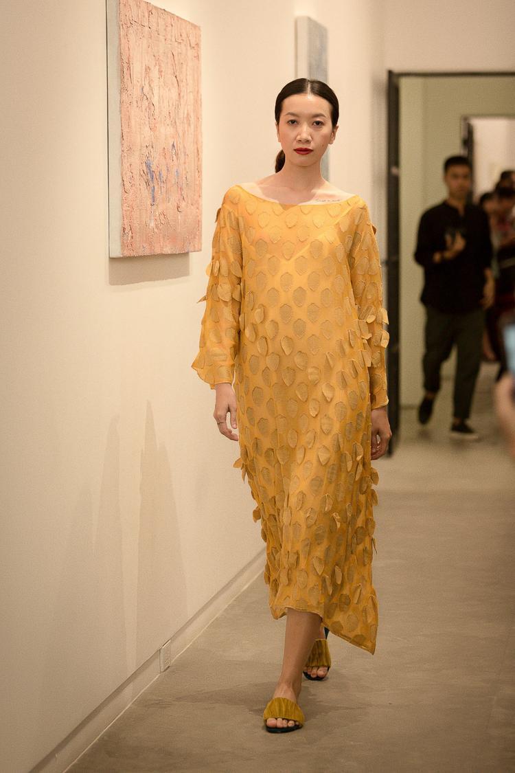 Các người mẫu trình diễn trong show của Lam đều là những người mẫu có tên tuổi, như Phan Linh Next Top…