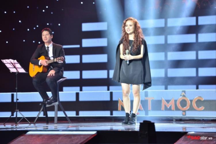 HHen Niê xúc động trước sáng tác lấy cảm hứng từ mình của thí sinh Sing My Song